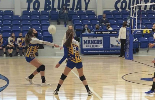 MIDDLE SCHOOL VOLLEYBALL GIRLS END SEASON UNDEFEATED!